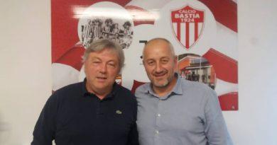 """Mister Cocciari alla Guida del Bastia: """"L'Allenatore Giusto al Momento Giusto"""""""
